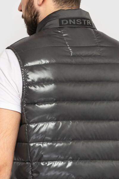 Жилет тотально сірого кольору з капюшоном