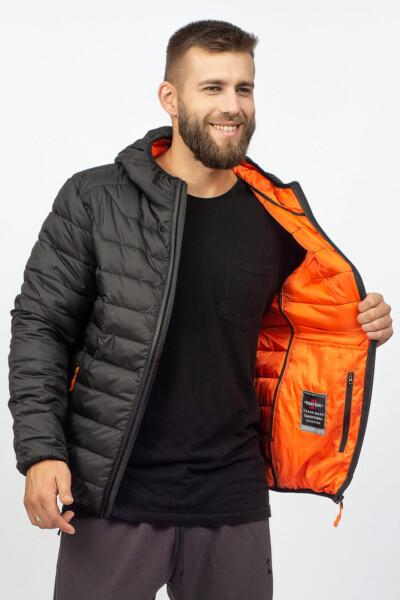 Демісезонна куртка на весну, чорного кольору, з капюшоном та кольоровою підкладкою.